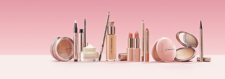 £5 Off Orders £30 at Avon