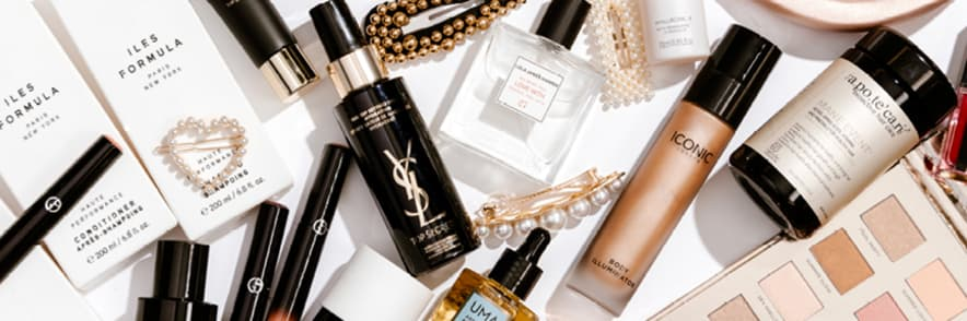 Free Beauty Gift 💥 with Orders $99+   Adore Beauty Promo Code