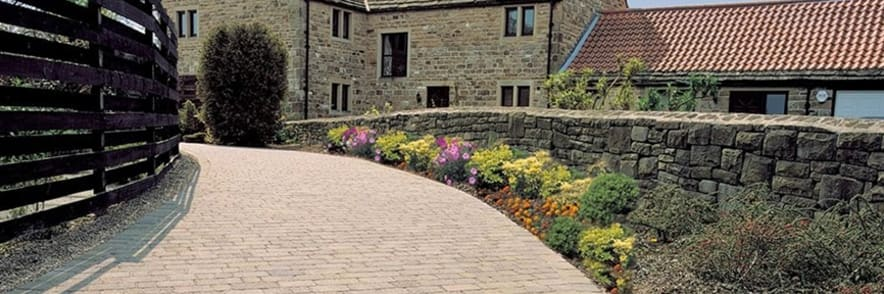 Take Advantage of Free Delivery at Simply Paving